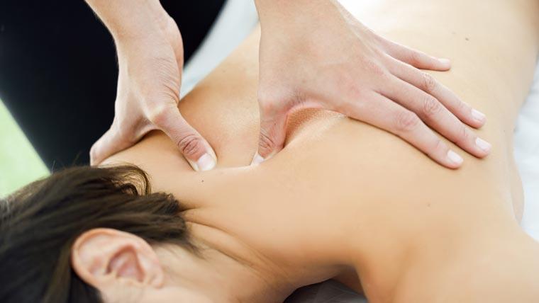 Nacken- und Rückenmassage